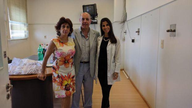 Dra Lucrecia López y Debora Nadur con Sr Spinetta Jorge ( Laboratorio ELEA)